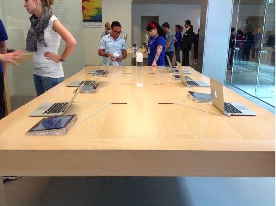 Sihirli elma apple store deneyimi masa